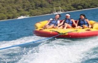 Arap Turistlerin Su Sporları İlgisi