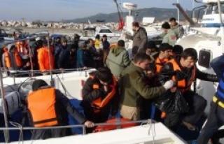 Ayvacık Açıklarında 49 Afgan Yakaladı