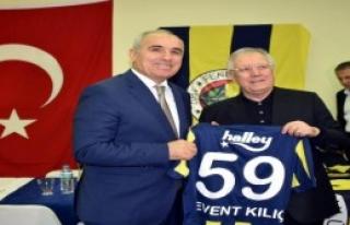 Aziz Yıldırım Fenerbahçelilerle Buluştu