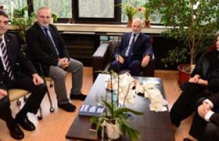 Papandreu'dan Cumhuriyet Gazetesi'ne Ziyaret