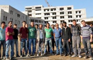 İzmir'de Toplu İntihar Girişimi