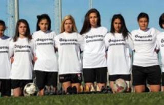 Kadın Futbolculardan, Şiddete Topuklu Tepki