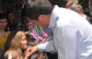 Bakan Zeybekci'den Suriyelilere Vatandaşlık Yorumu