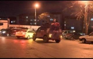 Bağcılar'da Polis Aracına Ateş Açıldı