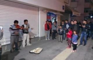 Sokak Müzisyeni 2 Çocuk Kavga Etti