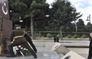 Bakü'de Türk Şehitliği'nde Tören Düzenlendi