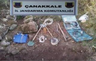 Bayramiç'te Kaçak Kazıya 6 Gözaltı