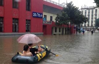 Yağışlar 140 Kişinin Ölümüne Yol Açtı