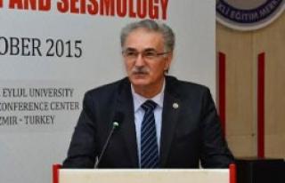 DEÜ'de Deprem Konferansı