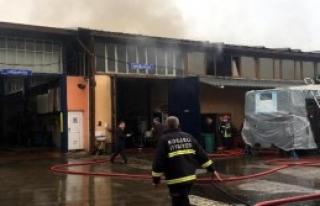 Belediye Atölyesinde Yangın: 1 Yaralı