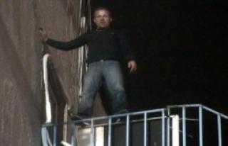 Belediyenin Yangın Merdiveninde İntihar Girişimi