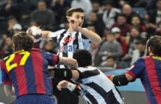 Beşiktaş Mogaz: 25 - Barcelona: 29