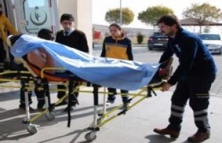 Bıçaklı Kavgada Lise Öğrencisi Yaralandı