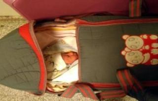 Vicdansızlar Bir Haftalık Bebeği Terk Etti