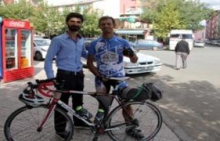 Çıktığı Türkiye Turunda Bingöl'e Geldi