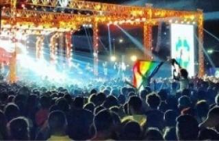 'Eşcinselliğe İdam Cezası'nı Kınadı'