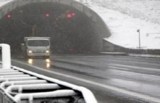 Kar Yağışı Ulaşımı Etkiledi