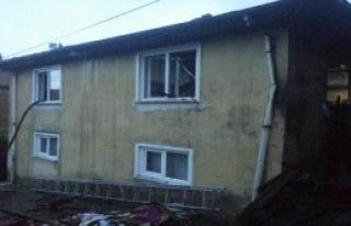 Bolu'da İtfaiyecinin Evi Yandı