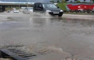 Bolu'da Yağmur Hayatı Zorlaştırdı