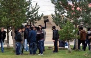 Bolu'da Üniversite Öğrencileri Kavga Etti