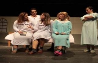 Bornova'da Sahne Kadınların