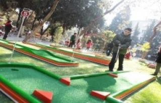 Bornovalı Çocuklara Golf Daveti