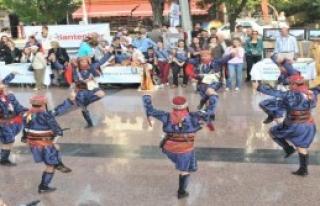 Buca'da Cumhuriyet Coşkusu Sürüyor