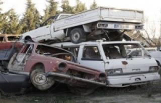 Buca'da Hurda Araçlar Toplandı