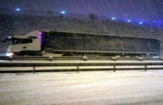 Burdur'da Kar Yağışı Ulaşımı Aksattı