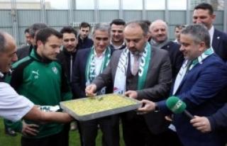 'El Verdiğince Bursapor'un Yanındayız'