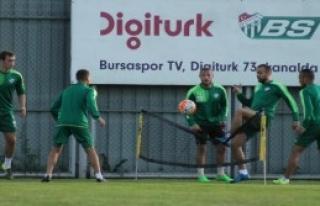 Bursaspor'da İki Çalışma Yaptı