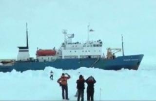 Buzulların Arasında Kaldı
