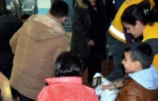 Suriyelilere Gıda ve Giyecek Yardımı