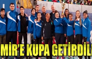 Atletizmde İzmir farkı: Kupayla geldiler