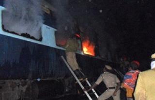 Yolcu Treninde Yangın: 9 Ölü!
