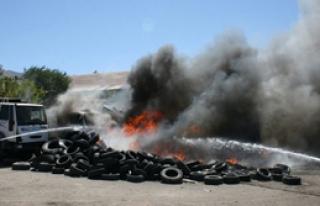 PKK Çöp Arabası Yaktı
