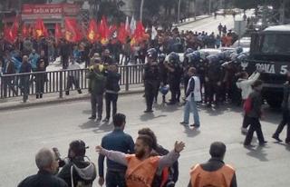 Ankara'da Polis Barikatı Açtı
