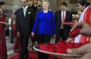 Clinton İran İçin İkna Turu'na Çıktı