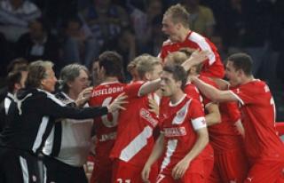 Bundesliga'ya Son Bilet Düsseldorf'un