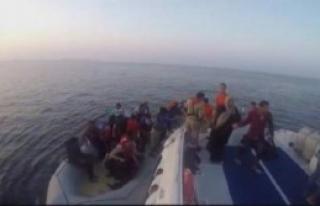 Çeşme'de 27 Mülteci Yakalandı