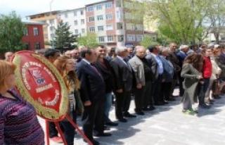 CHP Çelek Koydu, Polis Kaldırdı