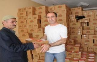 CHP'den Yüksekovalı 2 Bin 700 Aileye Gıda Yardımı