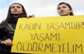 CHP'li Kadınlardan Siyah Bantlı Özgecan Eylemi