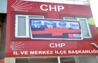 CHP'nin Astığı Pankart Kaldırıldı