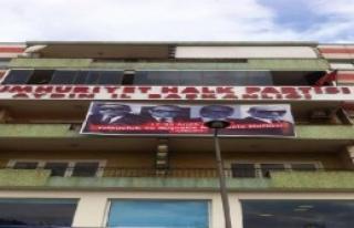 CHP'nin Pankartı Kriz Yarattı
