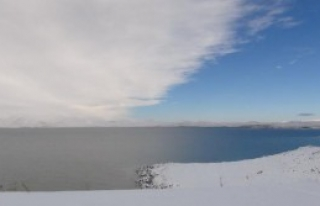 Çıldır Gölü Buzlanmaya Başladı