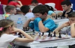 Çocuklar ve Anneleri Turnuvada Buluştu