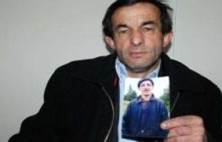 Kayıp Oğlunu Bulana 10 Bin Lira Ödül