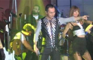 Serdar Ortaç'tan 1500 Kişiye Konser