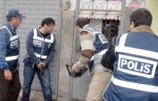 Zehir Tacirlerine Darbe: 50 Gözaltı